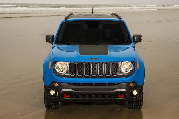 2015 Jeep Compass vs. 2015 Jeep Renegade: What's the Difference? featured image large thumb8