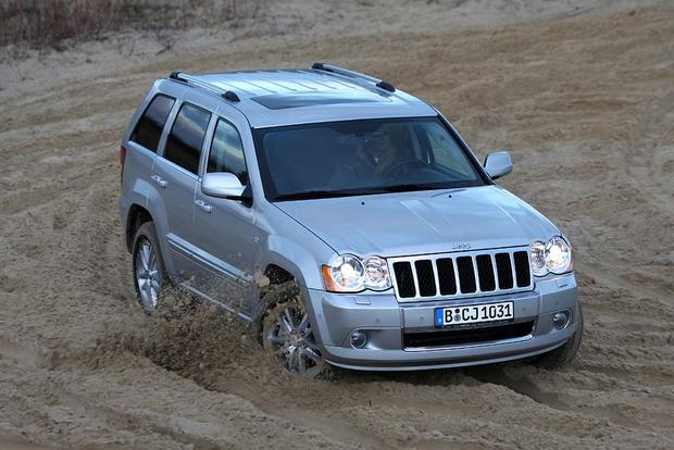 2005-2010 Jeep Grand Cherokee vs. 2003-2009 Toyota 4Runner: Which Is Better? featured image large thumb1
