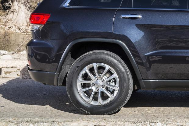 2014 Jeep Grand Cherokee vs. 2014 Dodge Durango: Which Is Better? featured image large thumb10