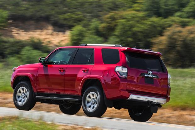 2014 Jeep Grand Cherokee vs. 2014 Toyota 4Runner: Which Is Better? featured image large thumb3