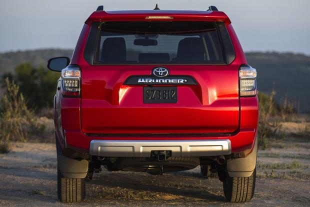 2014 Jeep Grand Cherokee vs. 2014 Toyota 4Runner: Which Is Better? featured image large thumb11