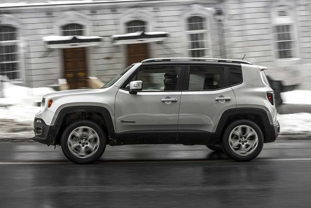 Jeep Renegade Trailhawk For Sale >> 2016 Jeep Renegade vs. 2016 FIAT 500X: Which Is Better ...
