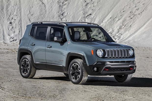 2016 Jeep Renegade vs. 2016 Mini Countryman: Which Is Better? featured image large thumb11