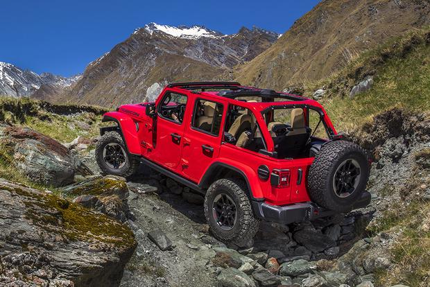 2018 Jeep Wrangler: First Drive Review featured image large thumb1