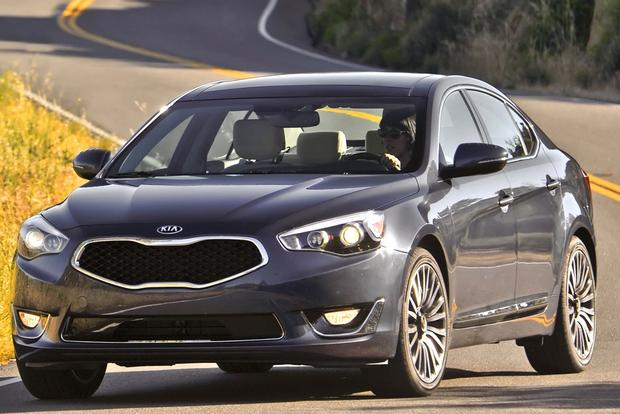 2014 Kia Cadenza: New Car Review featured image large thumb0