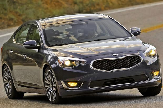 2014 Kia Cadenza: New Car Review featured image large thumb2
