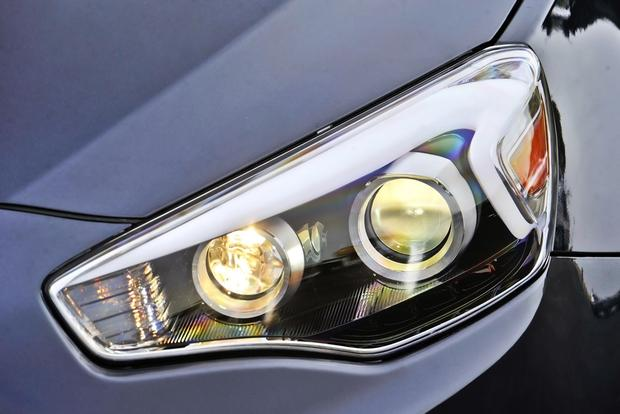 2014 Kia Cadenza: New Car Review featured image large thumb3