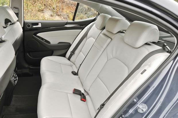 2014 Kia Cadenza: New Car Review featured image large thumb4