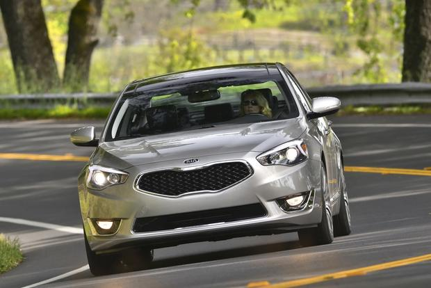 2014 Kia Cadenza: New Car Review featured image large thumb7