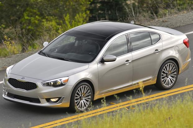 2014 Kia Cadenza: New Car Review featured image large thumb8