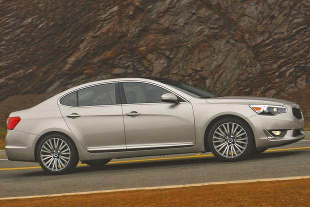 2014 Kia Cadenza: New Car Review featured image large thumb10