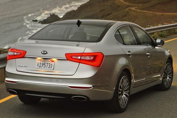 2014 Kia Cadenza: New Car Review featured image large thumb11