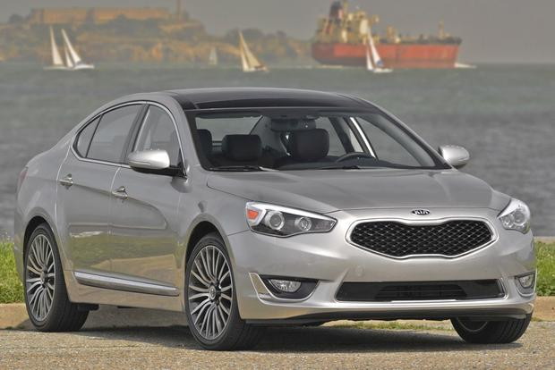 2014 Kia Cadenza: New Car Review featured image large thumb13