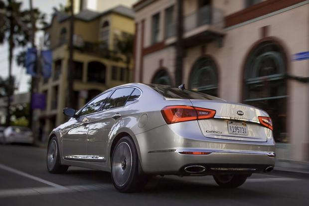 2014 Kia Cadenza: New Car Review featured image large thumb15