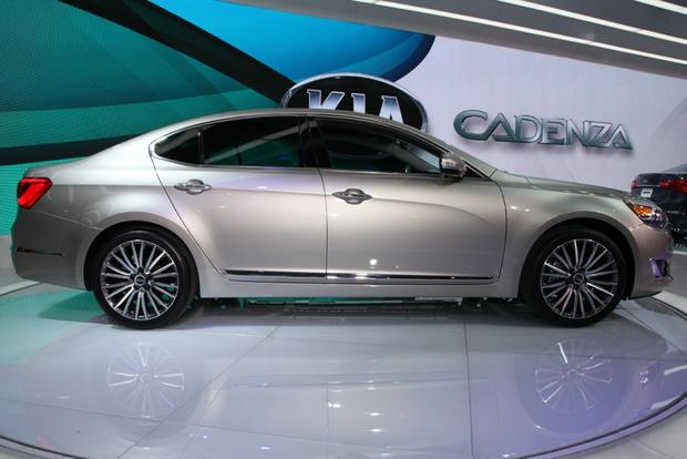 2014 kia cadenza premium sedan detroit auto show autotrader. Black Bedroom Furniture Sets. Home Design Ideas