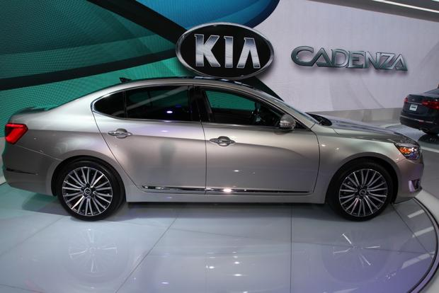 2014 kia cadenza premium sedan detroit auto show autotrader. Black Bedroom Furniture Sets. Home Design Ideas