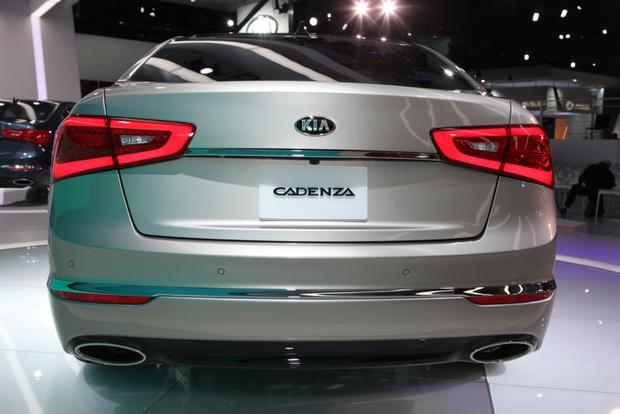2014 Kia Cadenza Premium Sedan: Detroit Auto Show featured image large thumb4