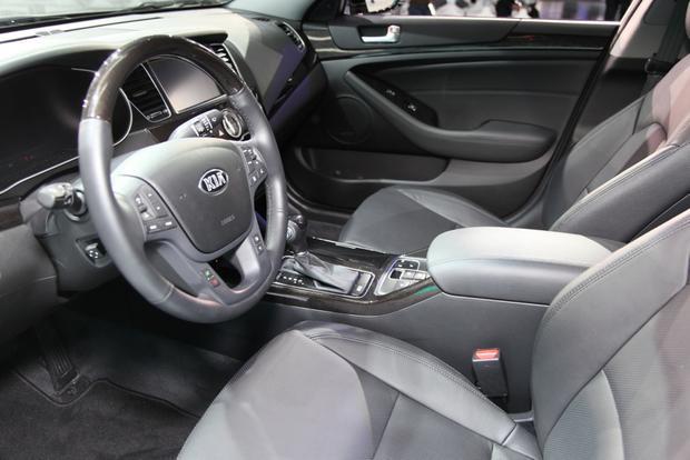 2014 Kia Cadenza Premium Sedan: Detroit Auto Show featured image large thumb7