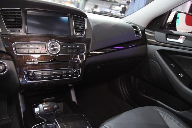 2014 Kia Cadenza Premium Sedan: Detroit Auto Show featured image large thumb12