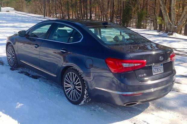 2014 Kia Cadenza: Snow Day featured image large thumb1
