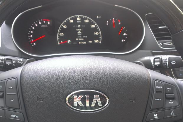 2014 Kia Cadenza: The End of the Road featured image large thumb5