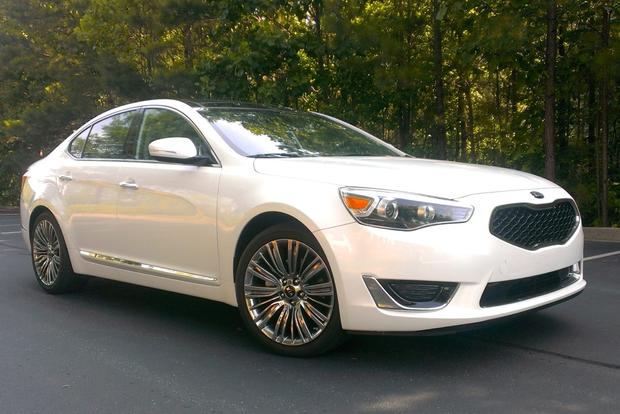 2014 Kia Cadenza: Luxury Features featured image large thumb1