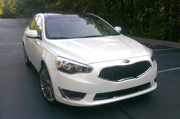 2014 Kia Cadenza: Luxury Features featured image large thumb0