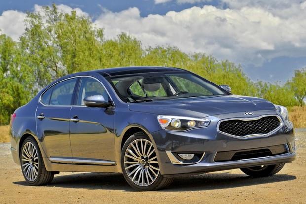 2015 Kia Cadenza: New Car Review featured image large thumb0