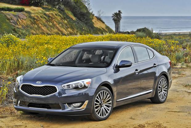 2015 Kia Cadenza: New Car Review featured image large thumb1