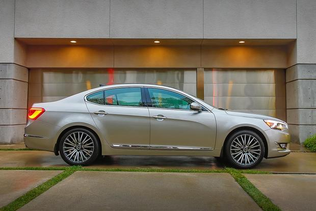 2016 Kia Cadenza New Car Review Featured Image Large Thumb4