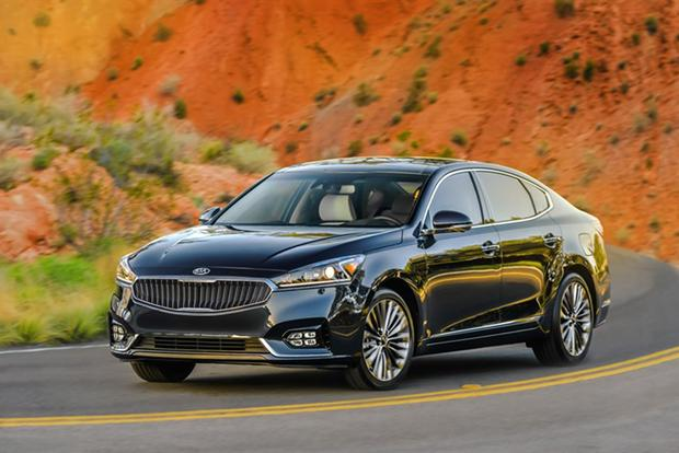 2017 Kia Cadenza: First Drive Review featured image large thumb1