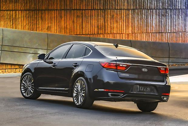 2017 Kia Cadenza: First Drive Review featured image large thumb2