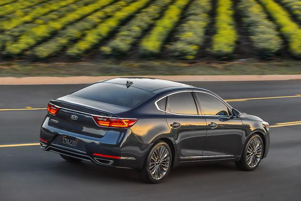2017 Kia Cadenza New Car Review Featured Image Large Thumb4
