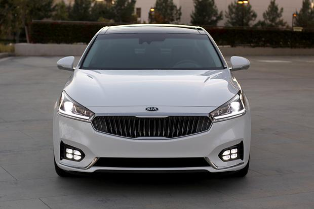 2017 Kia Cadenza New Car Review Featured Image Large Thumb0