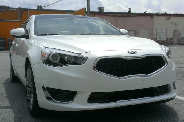 2014 Kia Cadenza: Low on Fuel featured image large thumb0