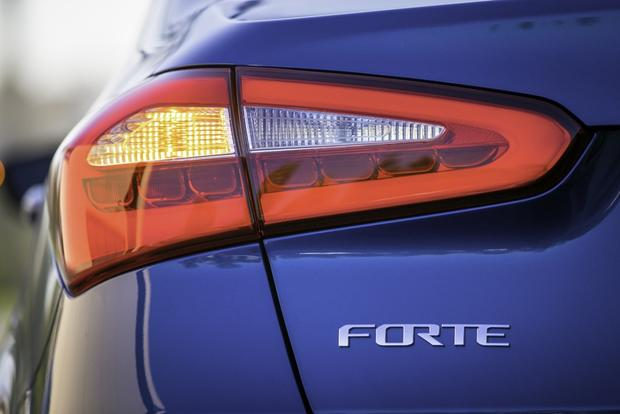 2014 Kia Forte Sedan: New Car Review featured image large thumb10