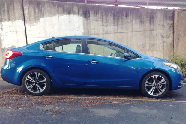 2014 Kia Forte Sedan: New Car Review featured image large thumb20