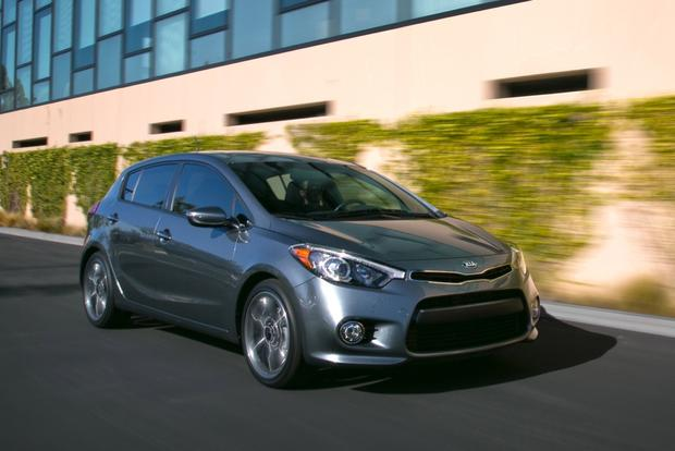 2014 Kia Forte vs. 2014 Mazda3: Which Is Better? featured image large thumb0