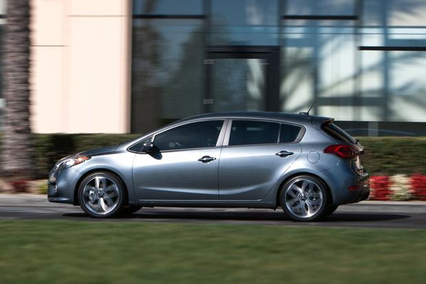 2014 Kia Forte vs. 2014 Mazda3: Which Is Better? featured image large thumb2