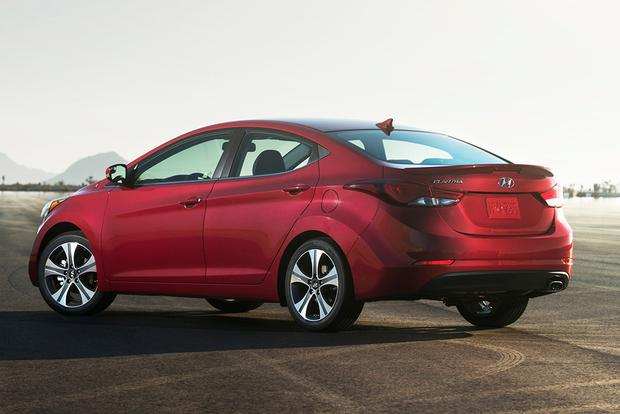2015 Kia Forte vs. 2015 Hyundai Elantra: What's the Difference? featured image large thumb8