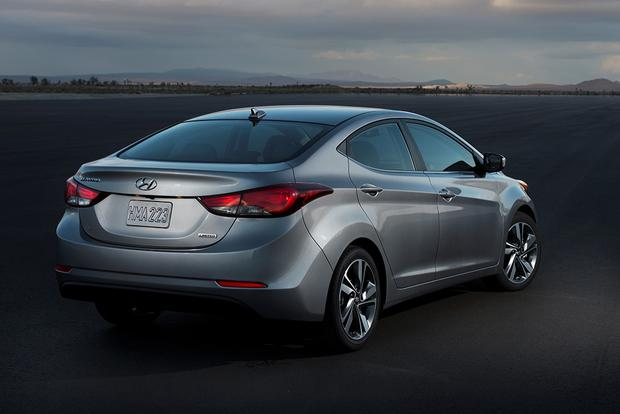 2015 Kia Forte vs. 2015 Hyundai Elantra: What's the Difference? featured image large thumb10