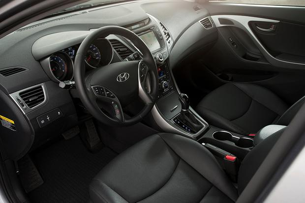 2015 Kia Forte vs. 2015 Hyundai Elantra: What's the Difference? featured image large thumb2