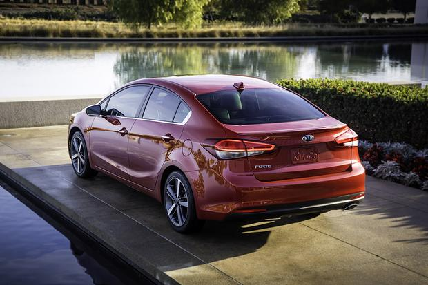 2018 Kia Forte: New Car Review featured image large thumb5