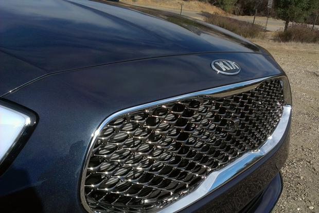 2015 Kia K900: First Drive Review featured image large thumb3