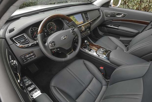 2016 Kia K900: New Car Review featured image large thumb5
