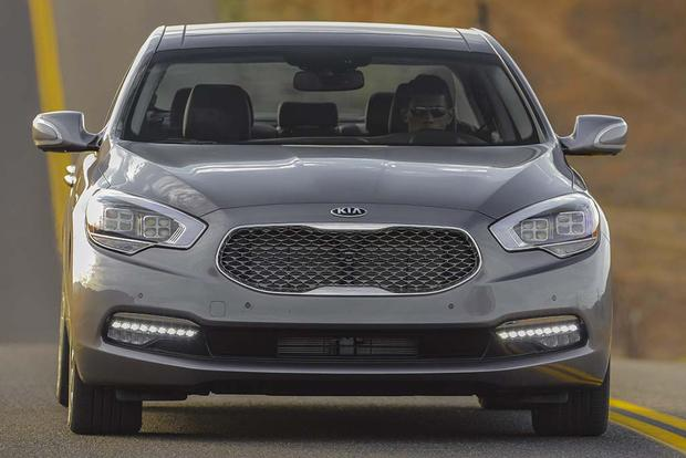2016 Kia K900: New Car Review featured image large thumb3