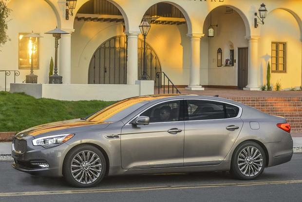 2016 Kia K900: New Car Review featured image large thumb4