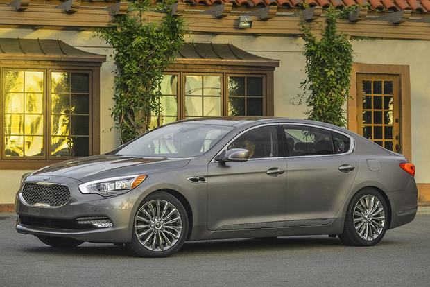2016 Kia K900: New Car Review featured image large thumb1