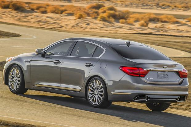 2015 Kia K900: New Car Review featured image large thumb2