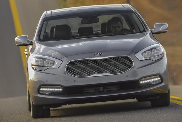 2015 Kia K900: New Car Review featured image large thumb3